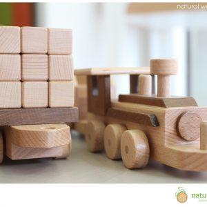 Μικρό ξύλινο τραινάκι